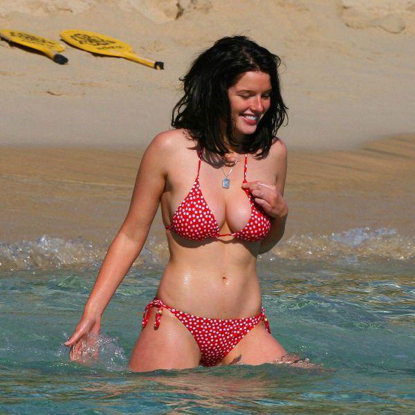 夏のビーチの美女画像 12