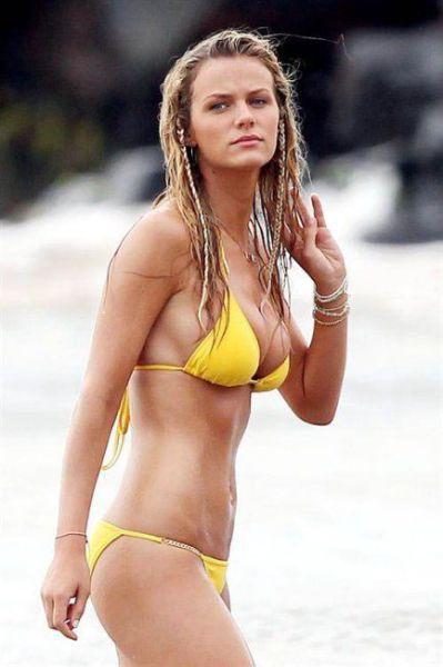 夏のビーチの美女画像 18