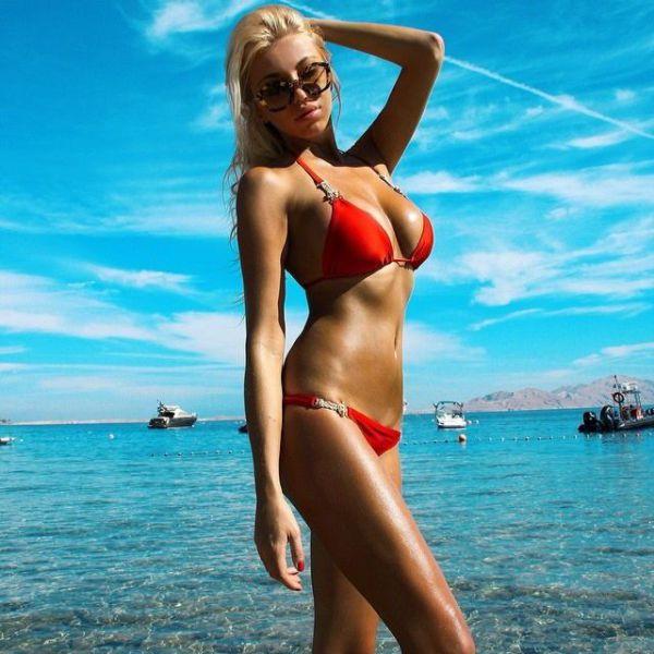夏のビーチの美女画像 37