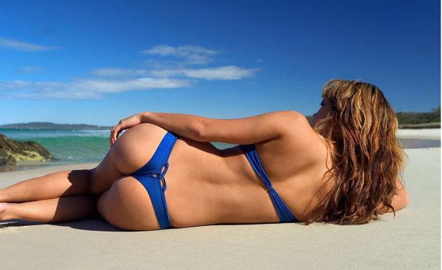 夏のビーチの美女画像 38