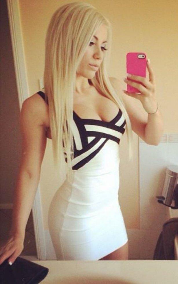 タイトドレスの白人美女画像 28