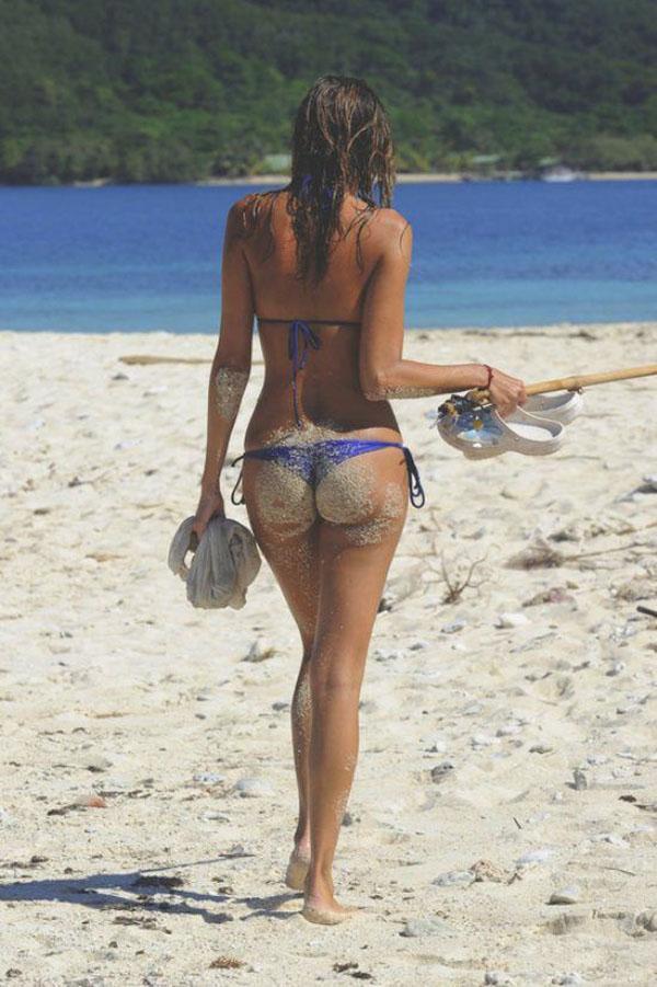熱い夏のビーチで美女と出会って遊ぶ、海遊び 18