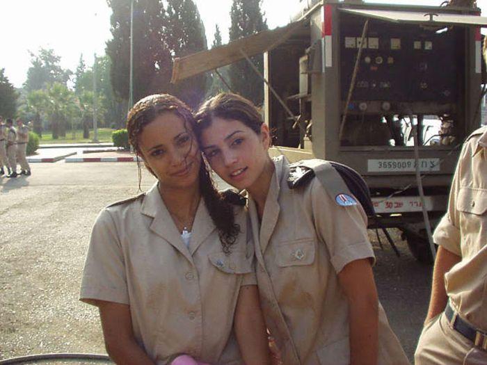イスラエル女性軍人 6