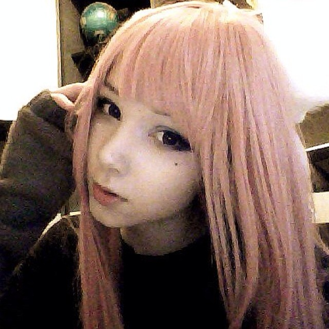 ピンク髪のKatya Lischina 2