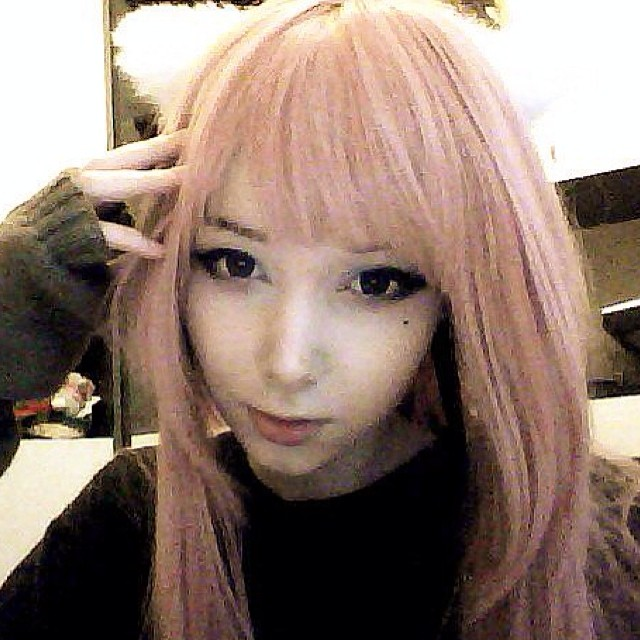 ピンク髪のKatya Lischina 3