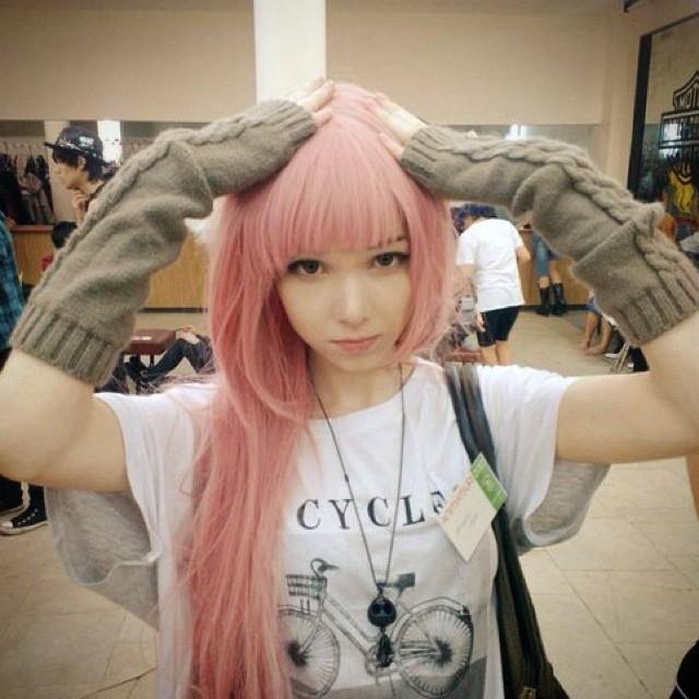 ピンク髪のKatya Lischina 1