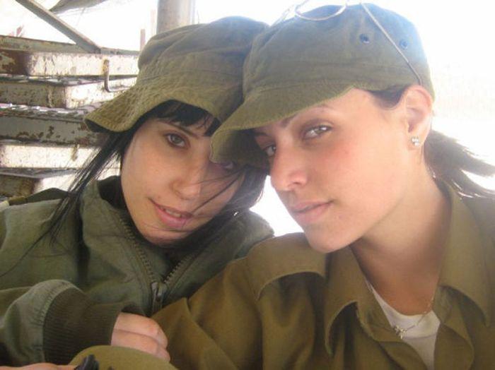 イスラエル女性軍人 4