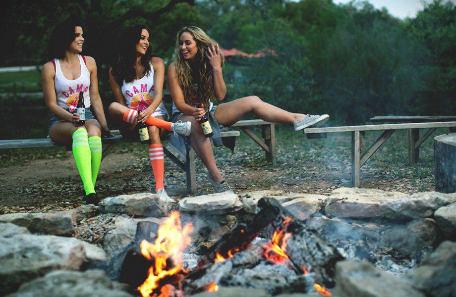 夏だキャンプだ美女とファイアーだ!キャンプガール 20