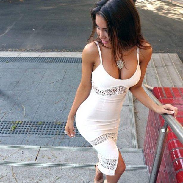 タイトドレスの白人美女画像 1