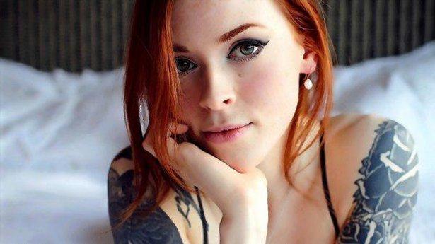 タトゥー入れてる外国人の女の子画像 1