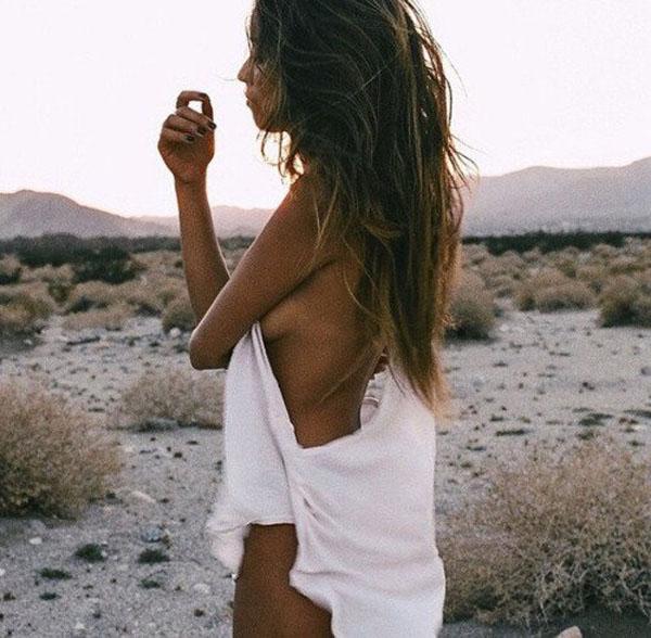自然の中の白人美女、女の子のポートレート 8