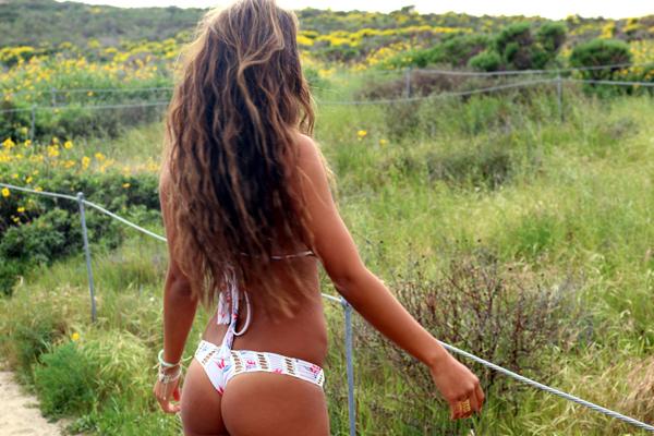 自然の中の白人美女、女の子のポートレート 3