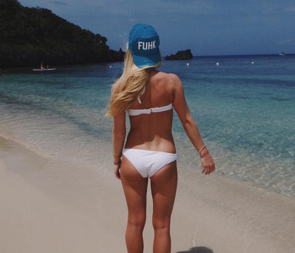 熱い夏のビーチで美女と出会って遊ぶ、海遊び 39