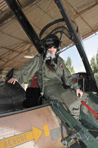 美人パイロット