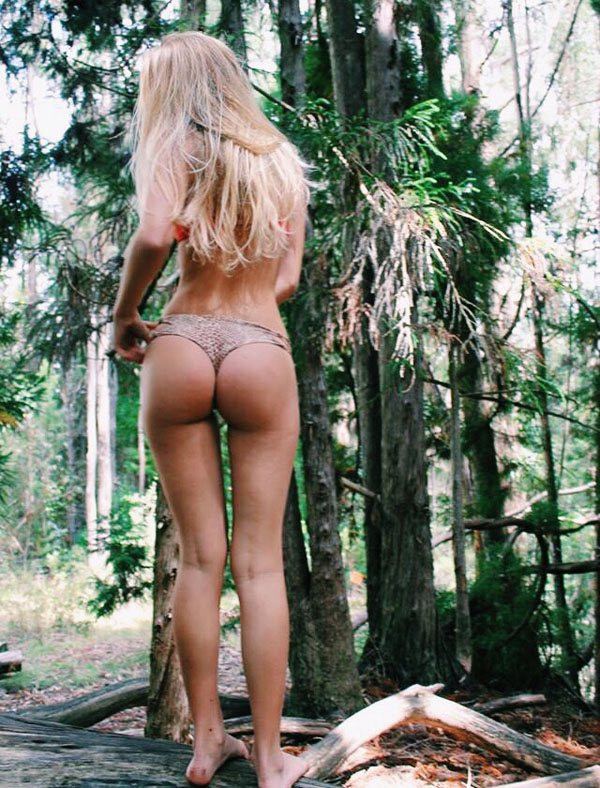 自然の中の白人美女、女の子のポートレート 37