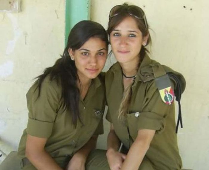 イスラエル女性軍人 10
