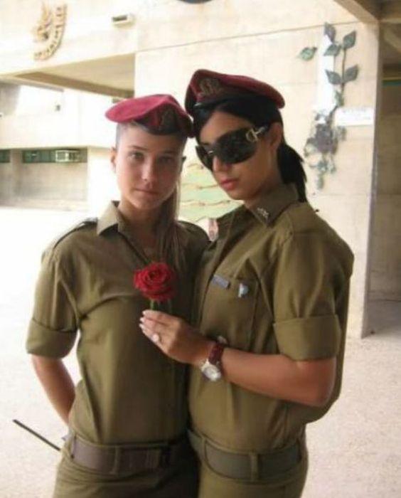 イスラエル女性軍人 11