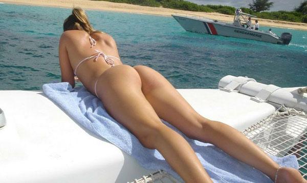 熱い夏のビーチで美女と出会って遊ぶ、海遊び 13