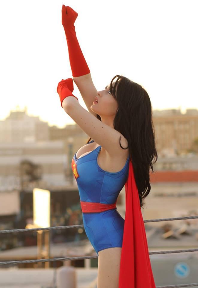 巨乳スーパーマン美女セクシーコスプレ 4