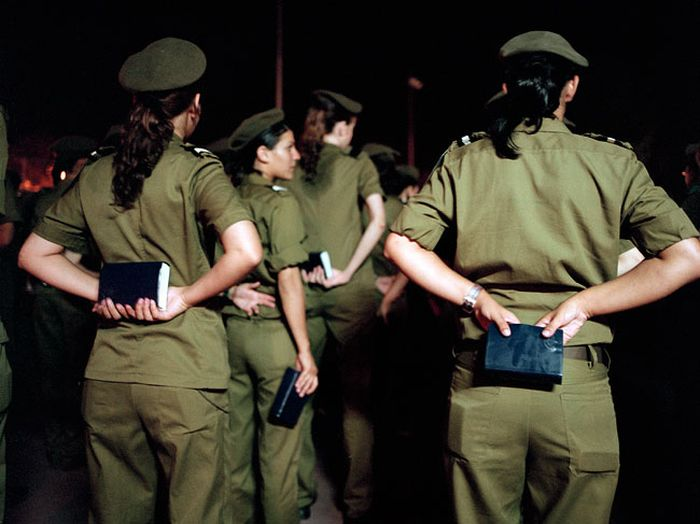 イスラエル女性軍人 2