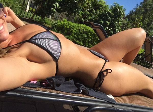 熱い夏のビーチで美女と出会って遊ぶ、海遊び 27