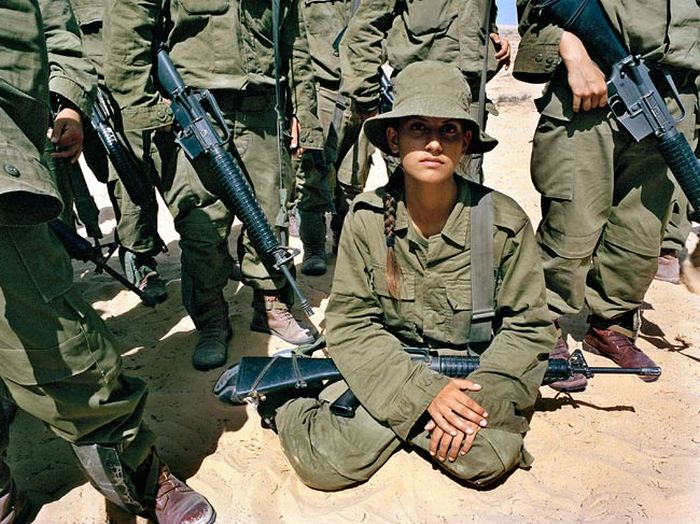イスラエル女性軍人 3