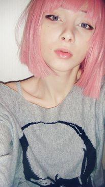 ピンク髪のKatya Lischina 9
