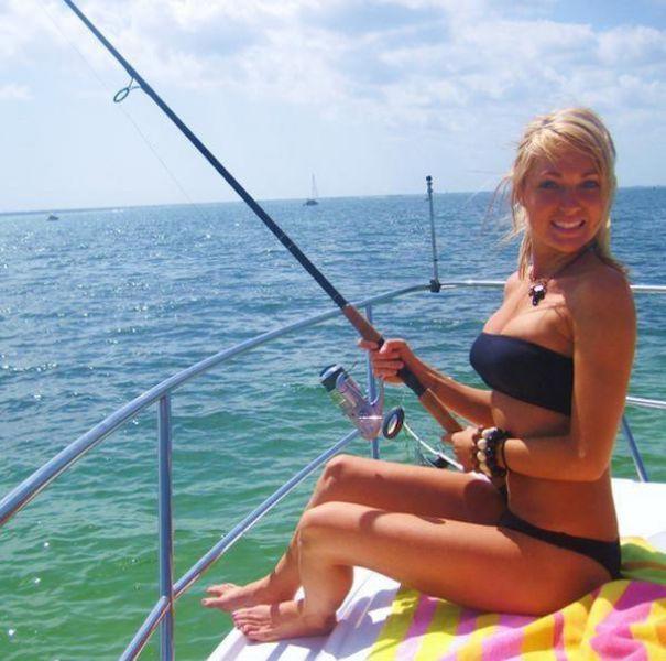 釣りが大好きな釣り女子。アウトドア美人 26
