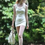 ミニスカドレスがエロ可愛いフェミニンな白人彼女!美女美少女