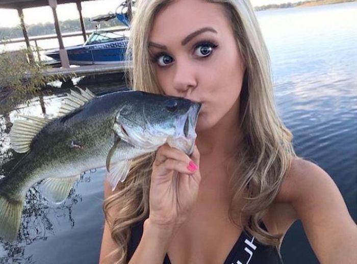 釣りが大好きな釣り女子。アウトドア美人 10