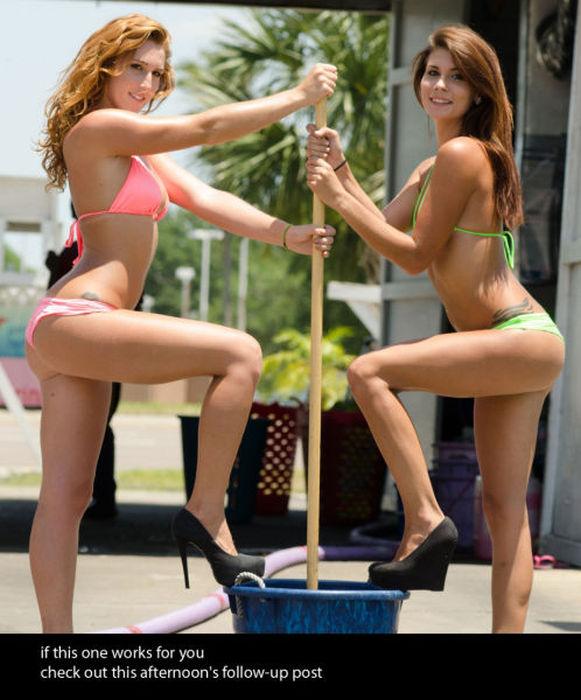 白人ギャルたちのエッチな洗車サービス (31)