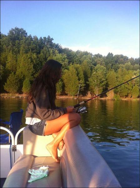 釣りが大好きな釣り女子。アウトドア美人 27