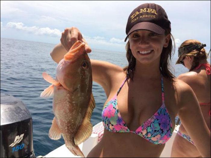 釣りが大好きな釣り女子。アウトドア美人 21