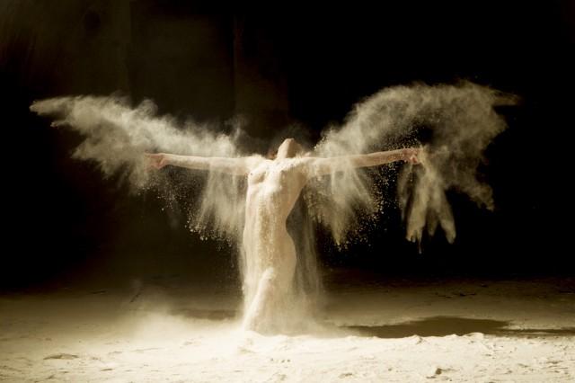 ヌードで踊る!海外美女ダンサーの美しいヌード画像 (4)